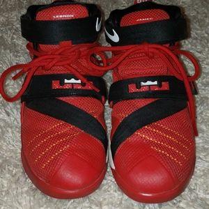 LEBRON JAMES Nike  boys sneakers